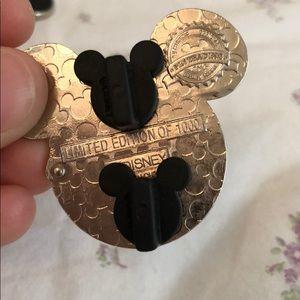 Disney Other - Alice in Wonderland LE 1000 Disney Pin